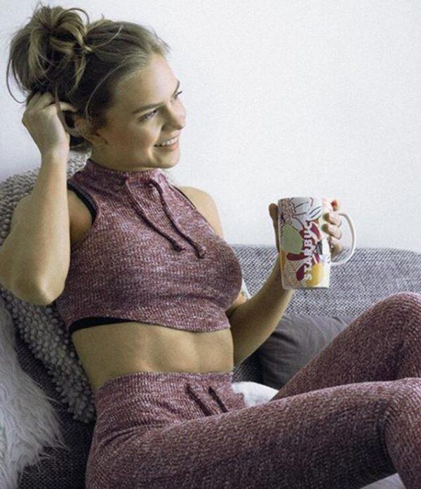 comfortable yoga set women sofa